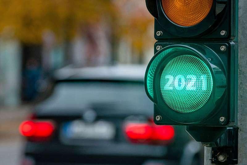 2021 pe culoarea verde a semaforului